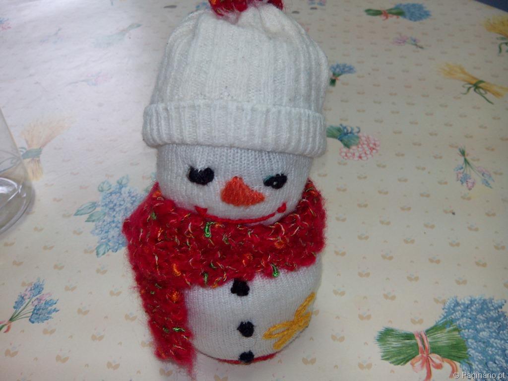 Boneco de neve confecionado com umas peúgas velhotas